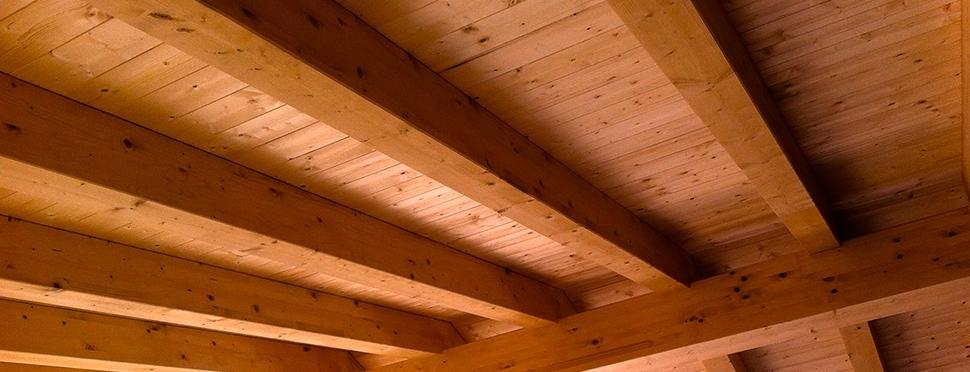 Ristrutturazioni: Coperture in legno di castagno